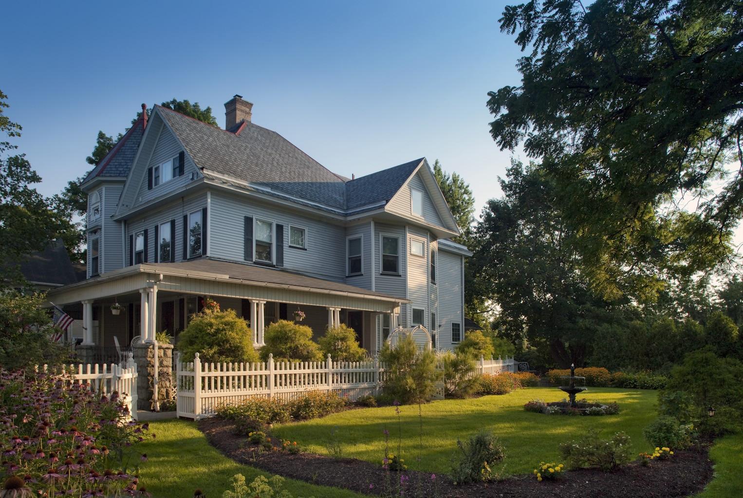 Whistling Swan Inn in Stanhope, New Jersey