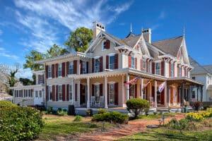 Eastern Shore Riverfront Inn for Sale